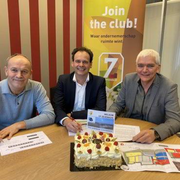 Unitbuild BV tekent koopcontract Zevenhuis
